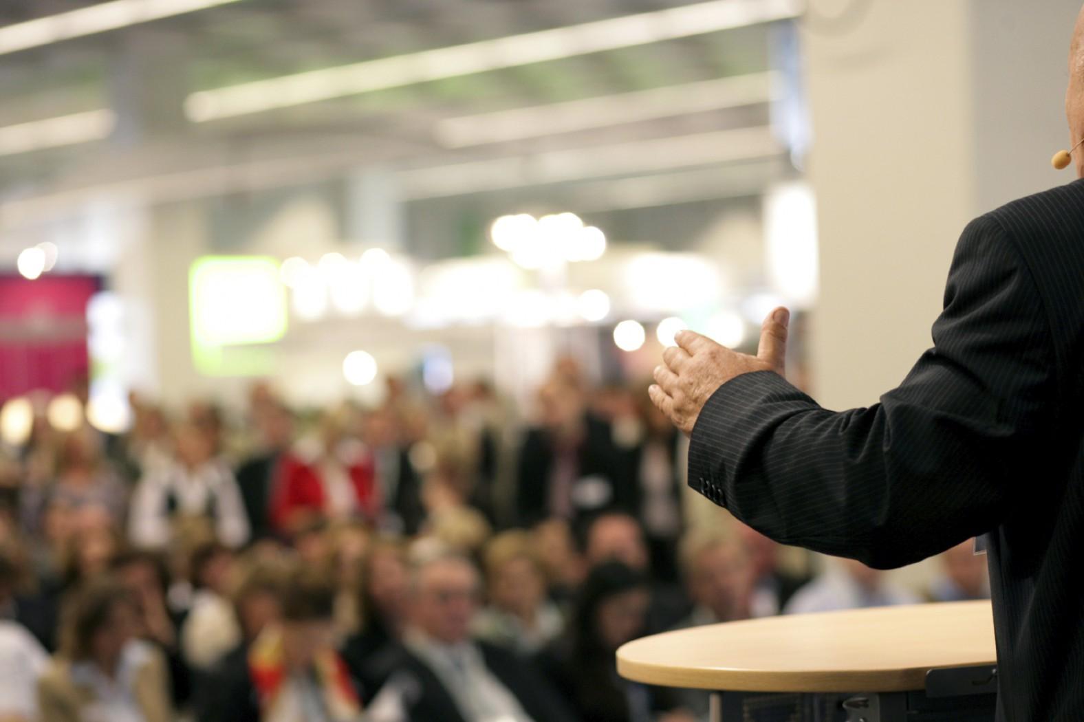 Як не боятись публічних виступів вінничанам розкажуть на дебатній школі