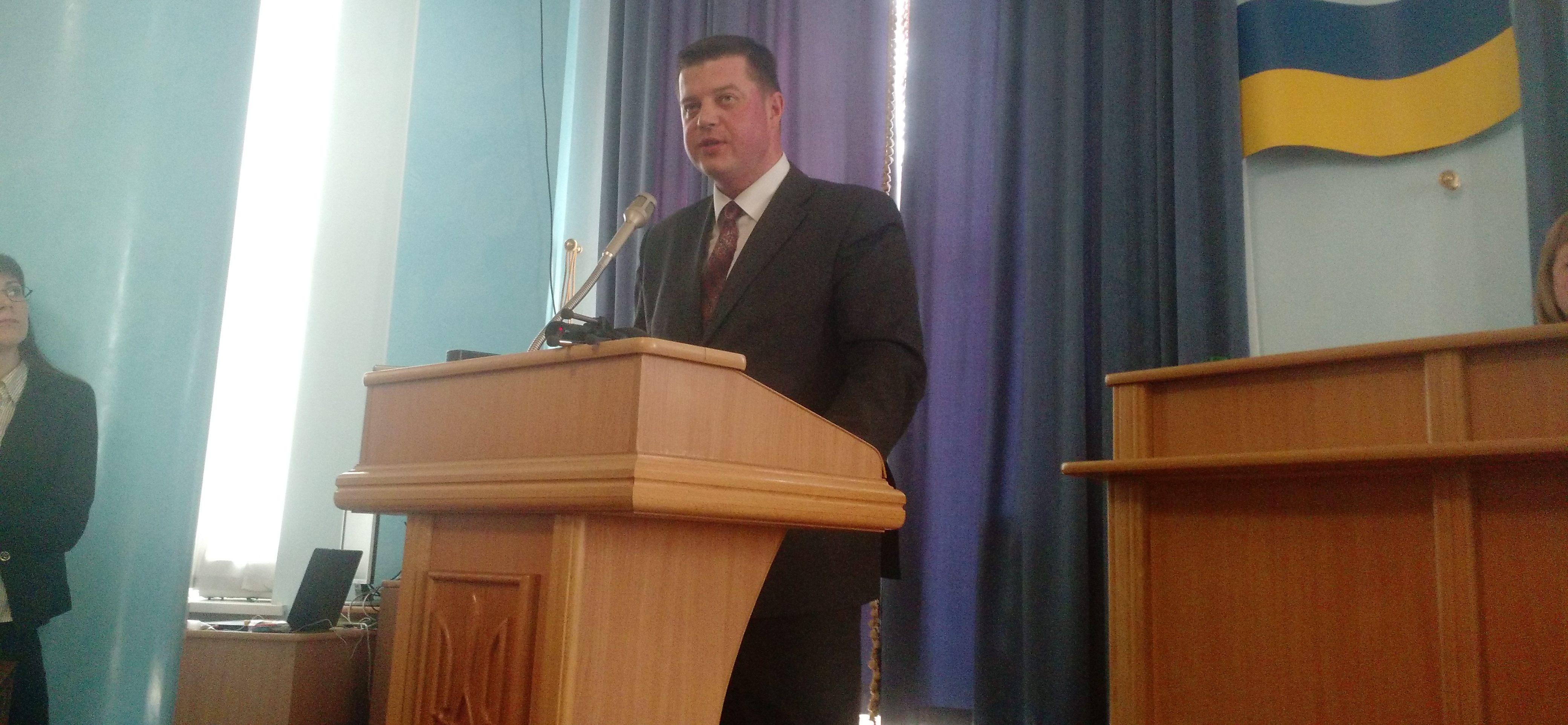 Чи покарали вінницьких тітушок: заступник прокурора прозвітував перед депутатами
