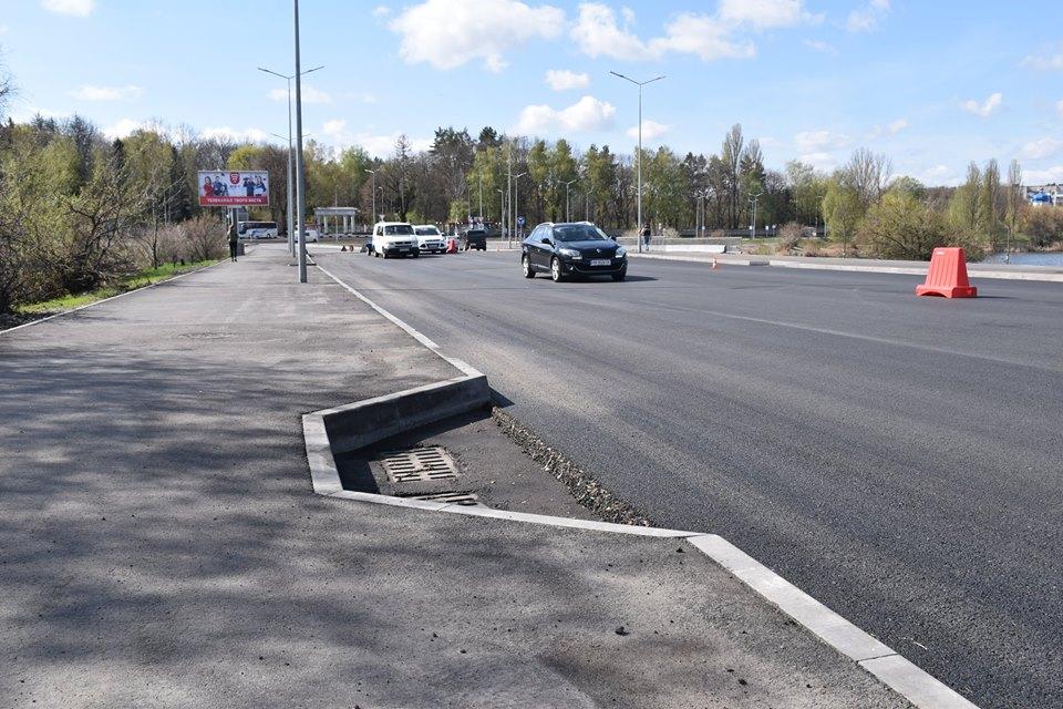 У Вінниці ремонтують дорогу біля садиби Пирогова, на черзі – об'їзні