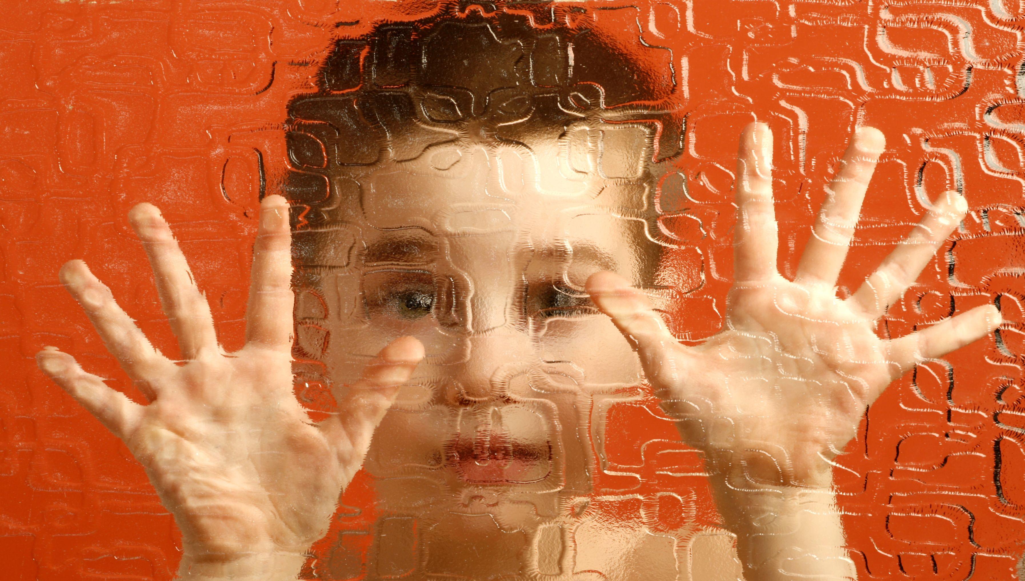 """Які вони насправді – """"діти дощу"""": 5 помилкових міфів щодо аутизму"""