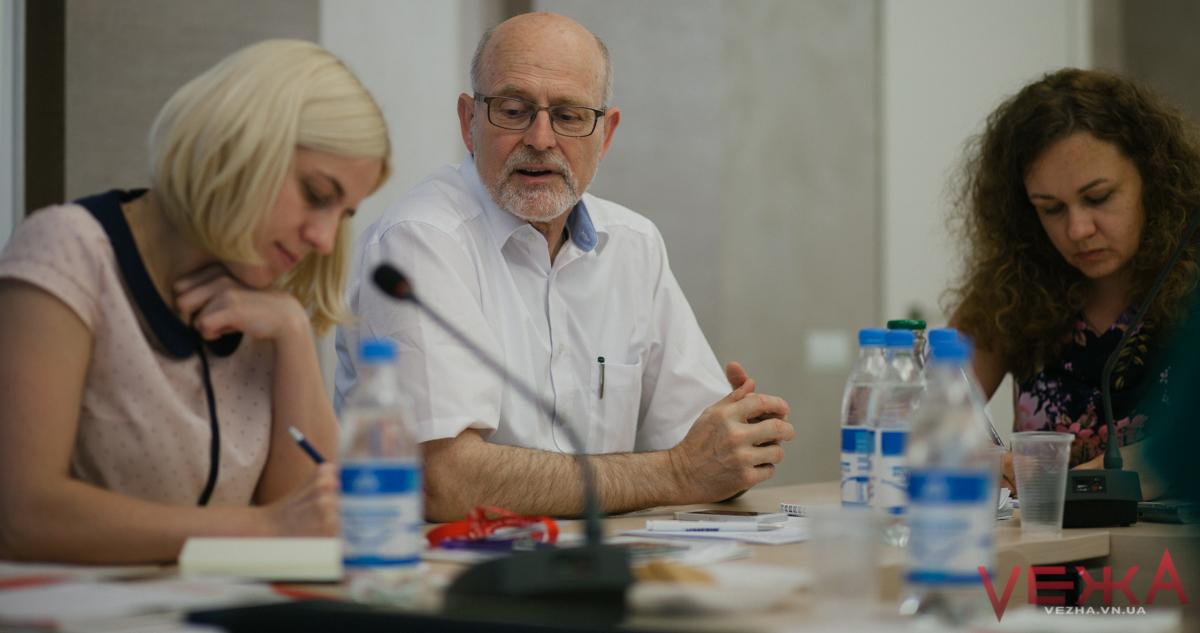 «У вас є настрій прориву»: у Вінниці доктор Нойхауз навчав міському менеджменту