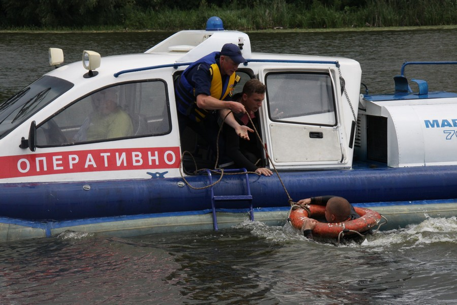 Офіційні та стихійні пляжі Вінниці рятувальники патрулюватимуть на сучасних човнах