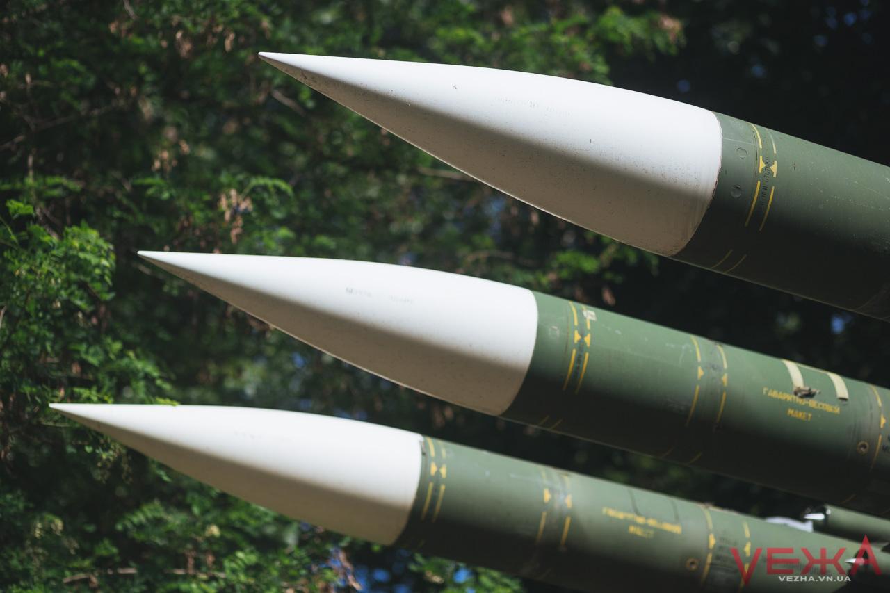 Термоядерні ракети та діти на крилі винищувача: ФОТОРЕПОРТАЖ з музею Повітряних сил у Вінниці