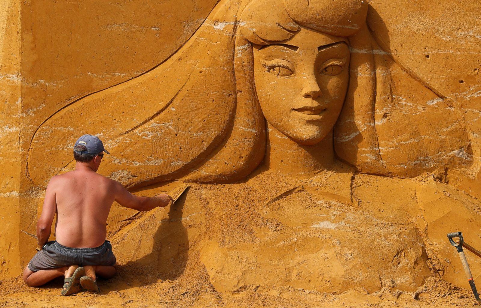 8 тонн піску для свята: вінничан із дітьми кличуть на Фестиваль піщаних скульптур