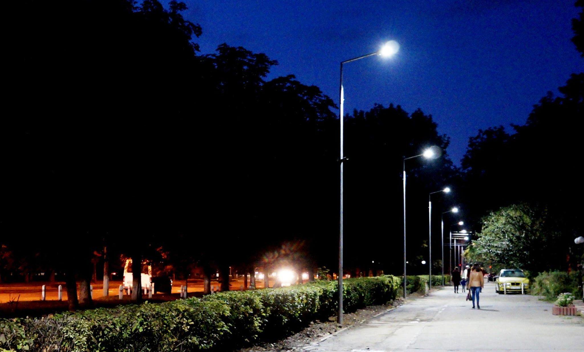 У Вінниці з'явилась алея «розумних ліхтарів»