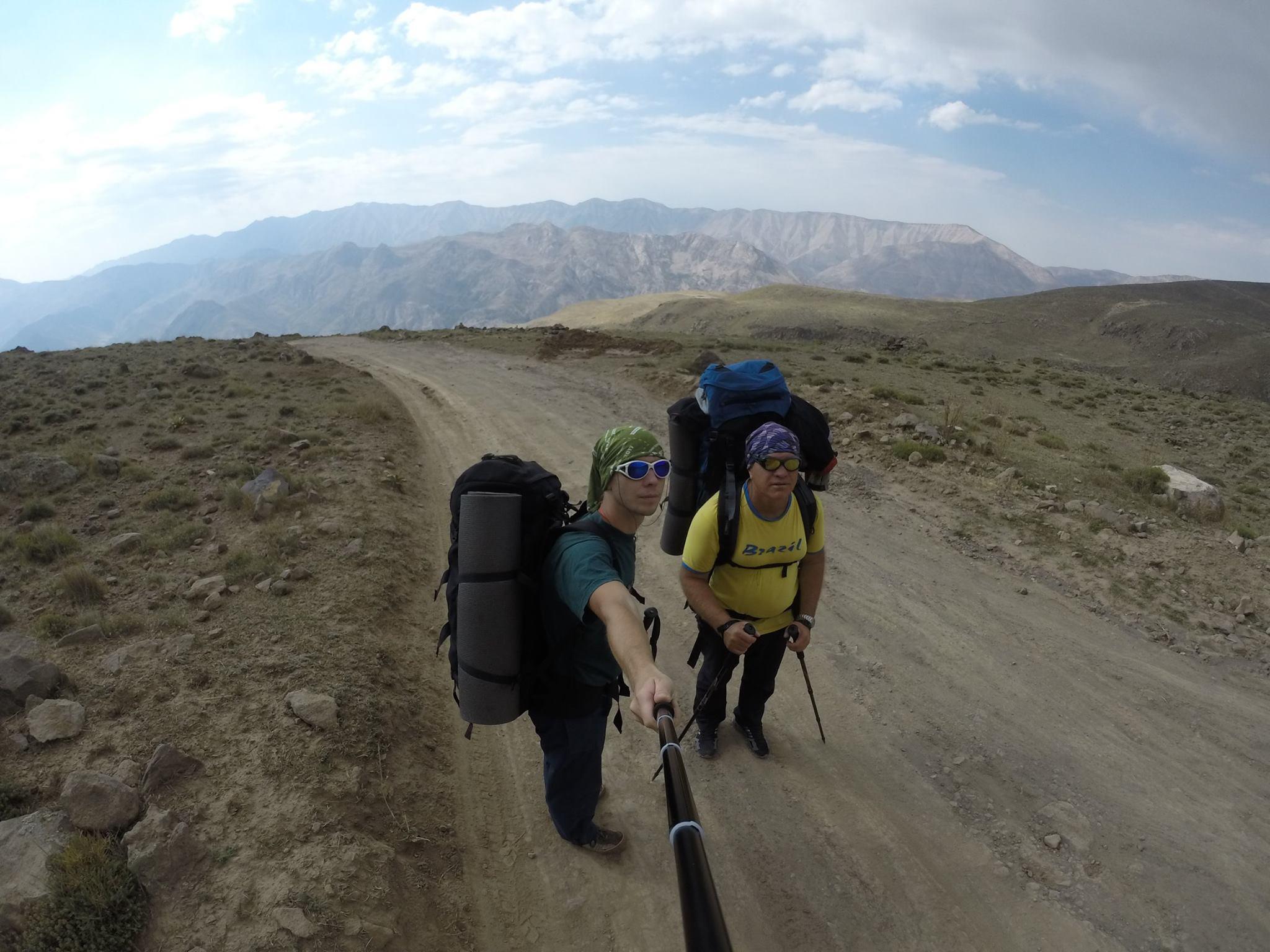 5671 метр у напрямку неба: вінничани встановили жовто-блакитний прапор на найвищій горі Ірану