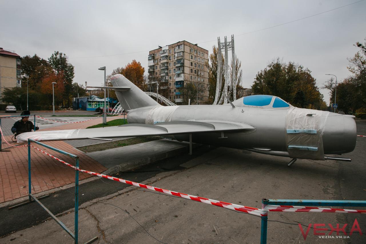 На площу Могилка повернувся літак МІГ-15. ФОТОРЕПОРТАЖ