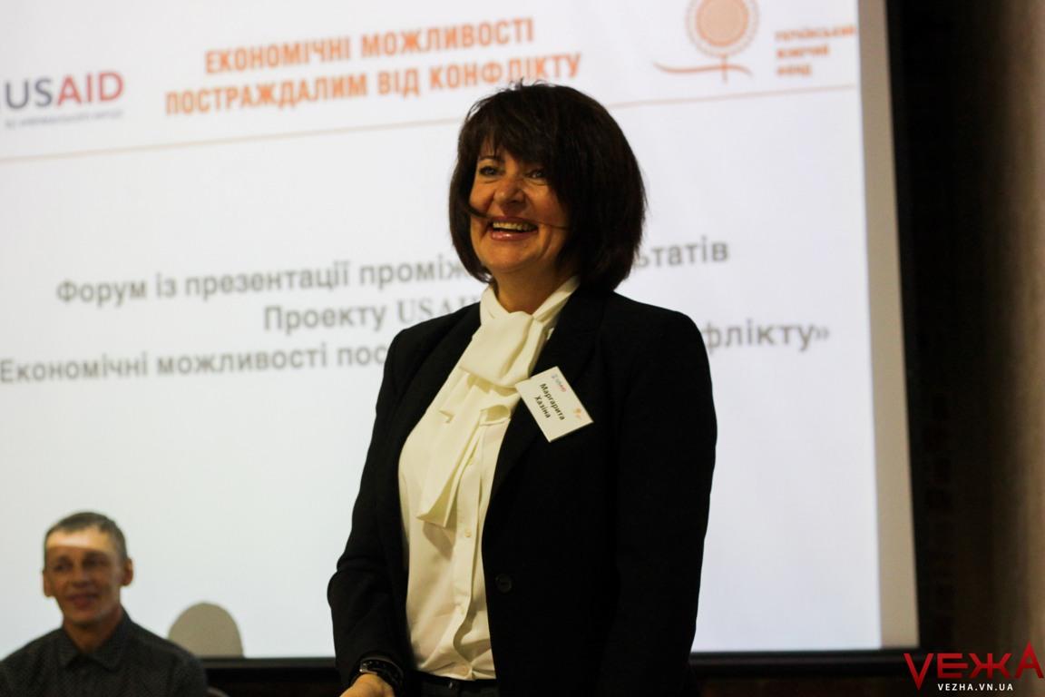 13 грантів для нового життя: у Вінниці презентували перші результати програми підтримки переселенців