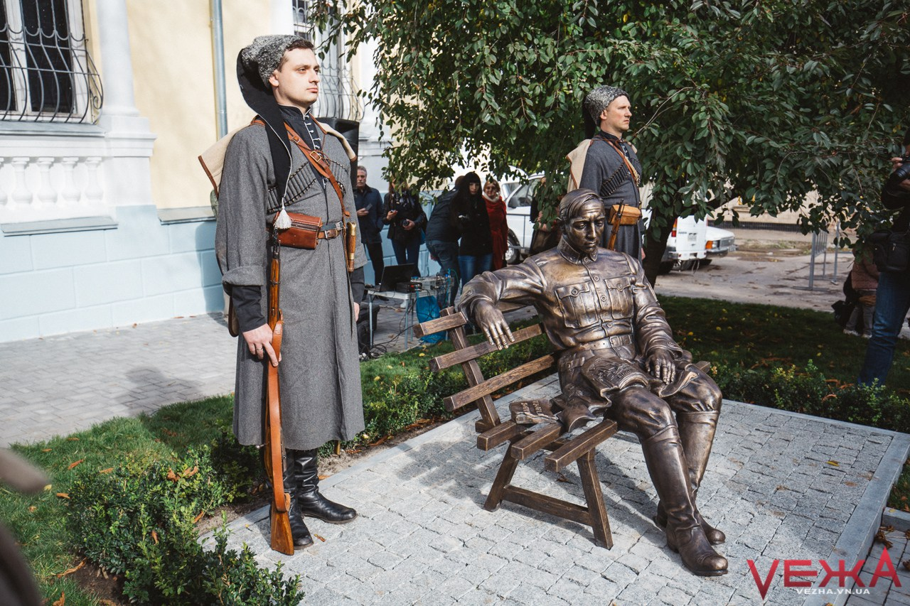 Всі питання – до Москви: вінницька влада відповіла на звернення євреїв про перенесення пам'ятника Петлюрі