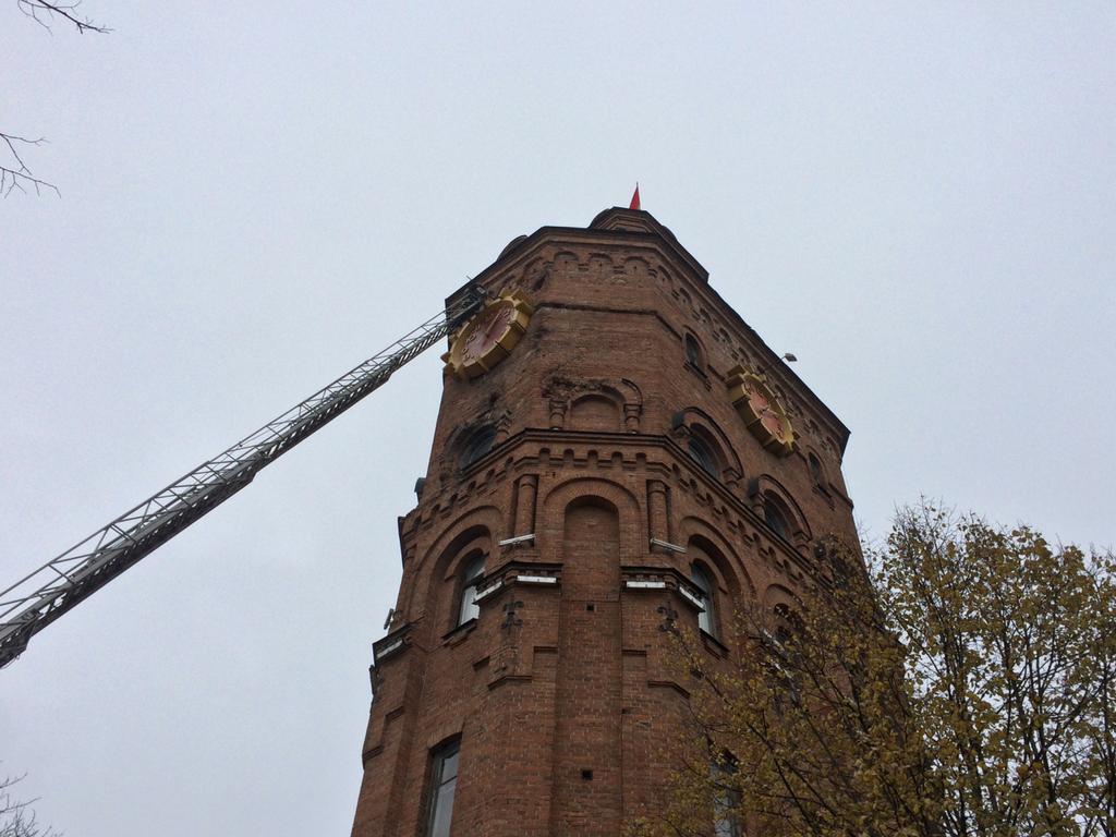 Економна Вежа: на головному символі Вінниці встановлюють енергоефективну підсвітку. ФОТО