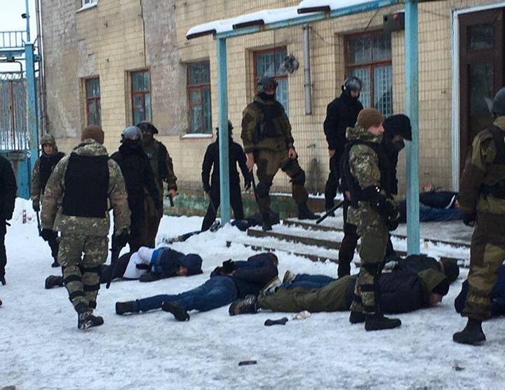 На Вінниччині затримали групу озброєних рейдерів. ФОТО
