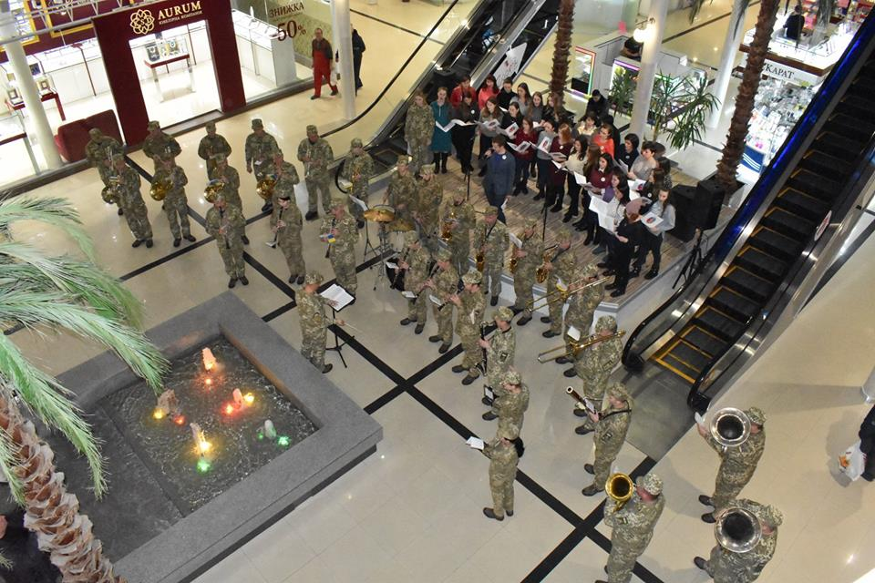 У Вінниці військові долучилися до флешмобу на честь героїв Крут. ФОТО, ВІДЕО