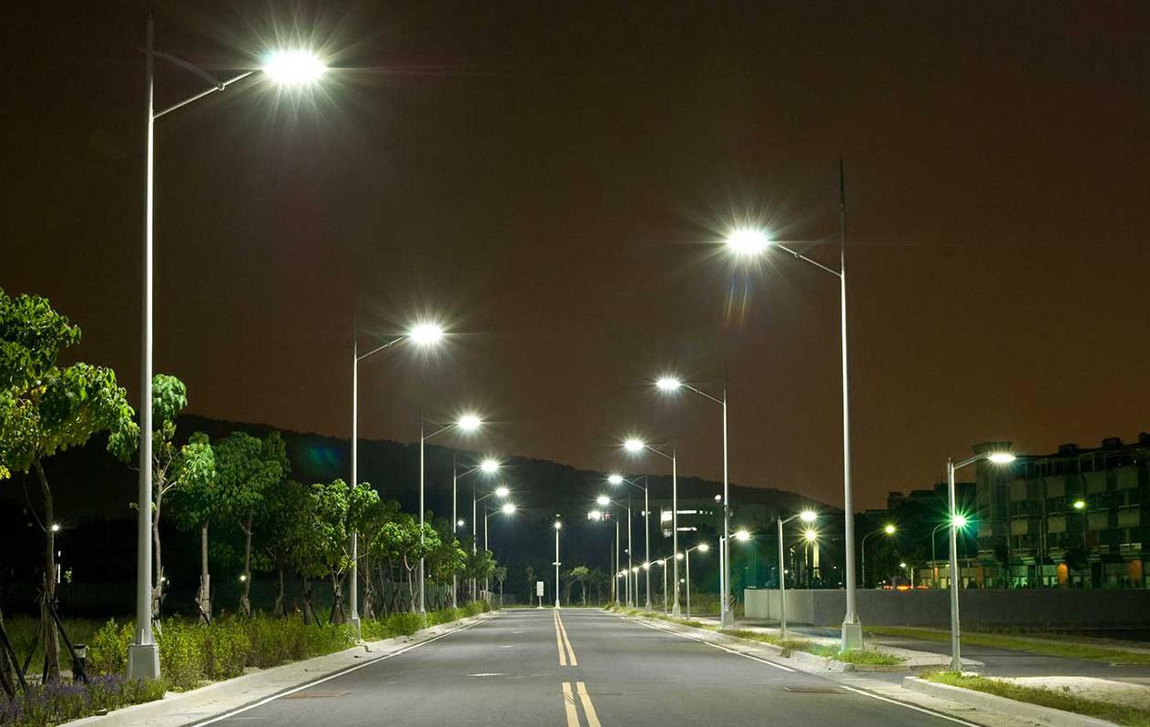 Більше та яскравіше: Вінницю освітлює близько 23 тисяч енергозберігаючих ліхтарів
