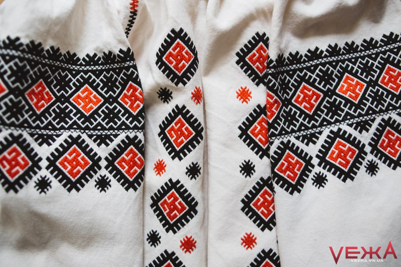 «В Україні ніколи не було «вишиванок»: як створити справжню вишиту сорочку і чому це неможливо з українських матеріалів
