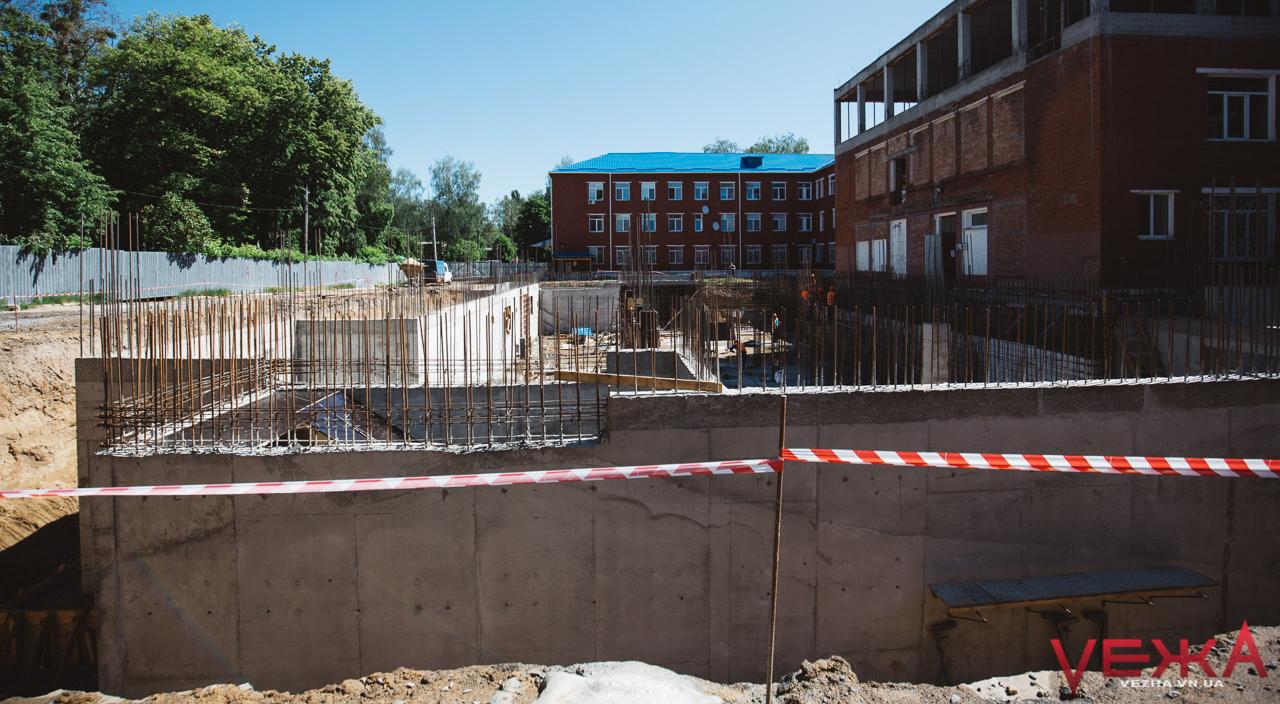 Найбільший проект Вінниці: як будують новий корпус лікарні на Київській. ФОТОРЕПОРТАЖ