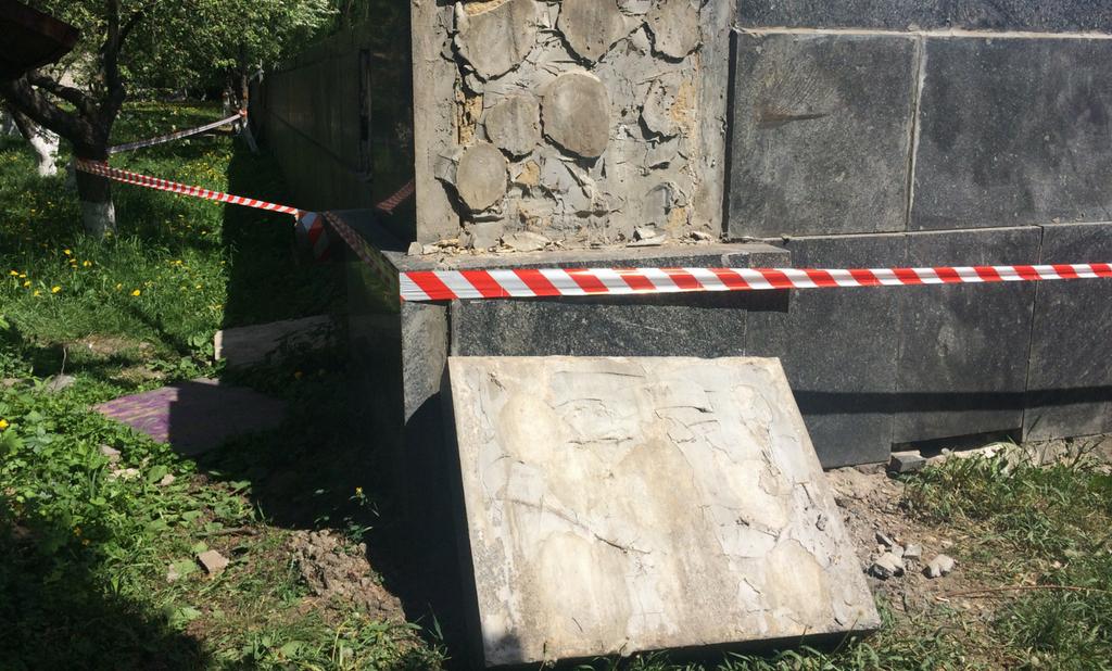 Чому на дітей впало дерево і гранітна плита: розслідування нещасних випадків вінницьких вихідних