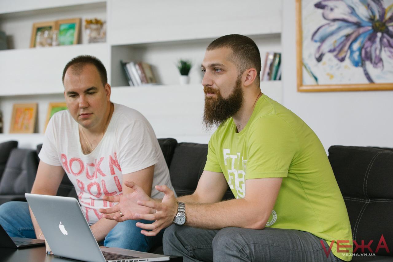Вінницький чат-бот: місцеві програмісти презентують платформу, яка автоматизує спілкування з клієнтами. ФОТО