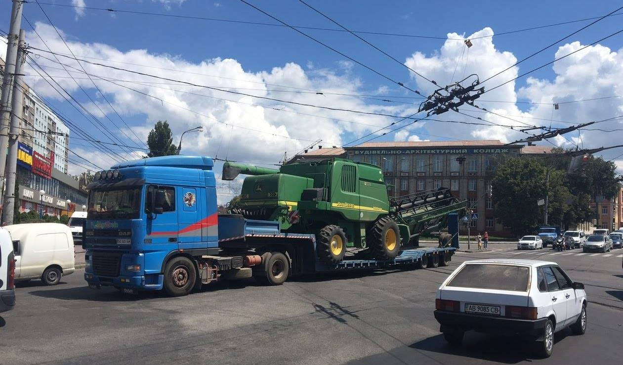 Рух трамваїв і тролейбусів у Вінниці відновлять поетапно. ФОТО