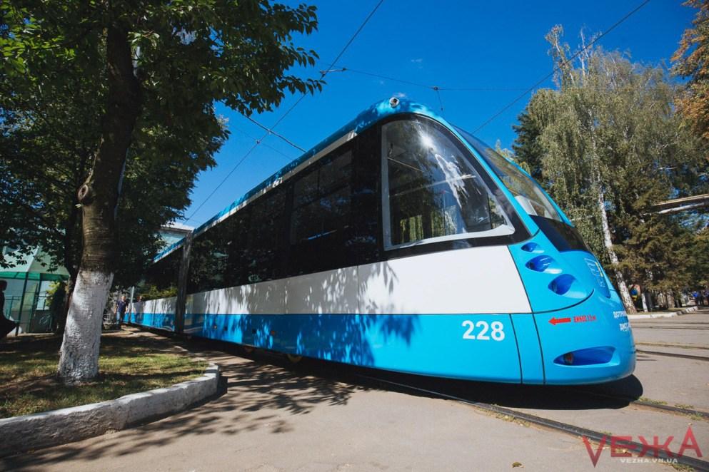 У Вінниці збираються підняти ціни на проїзд у трамваї, тролейбусі та автобусі. ТАРИФИ