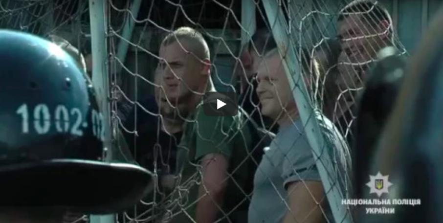 Вінницькі поліцейські тренувалися протидіяти ультрас перед початком футбольного сезону. ФОТО, ВІДЕО