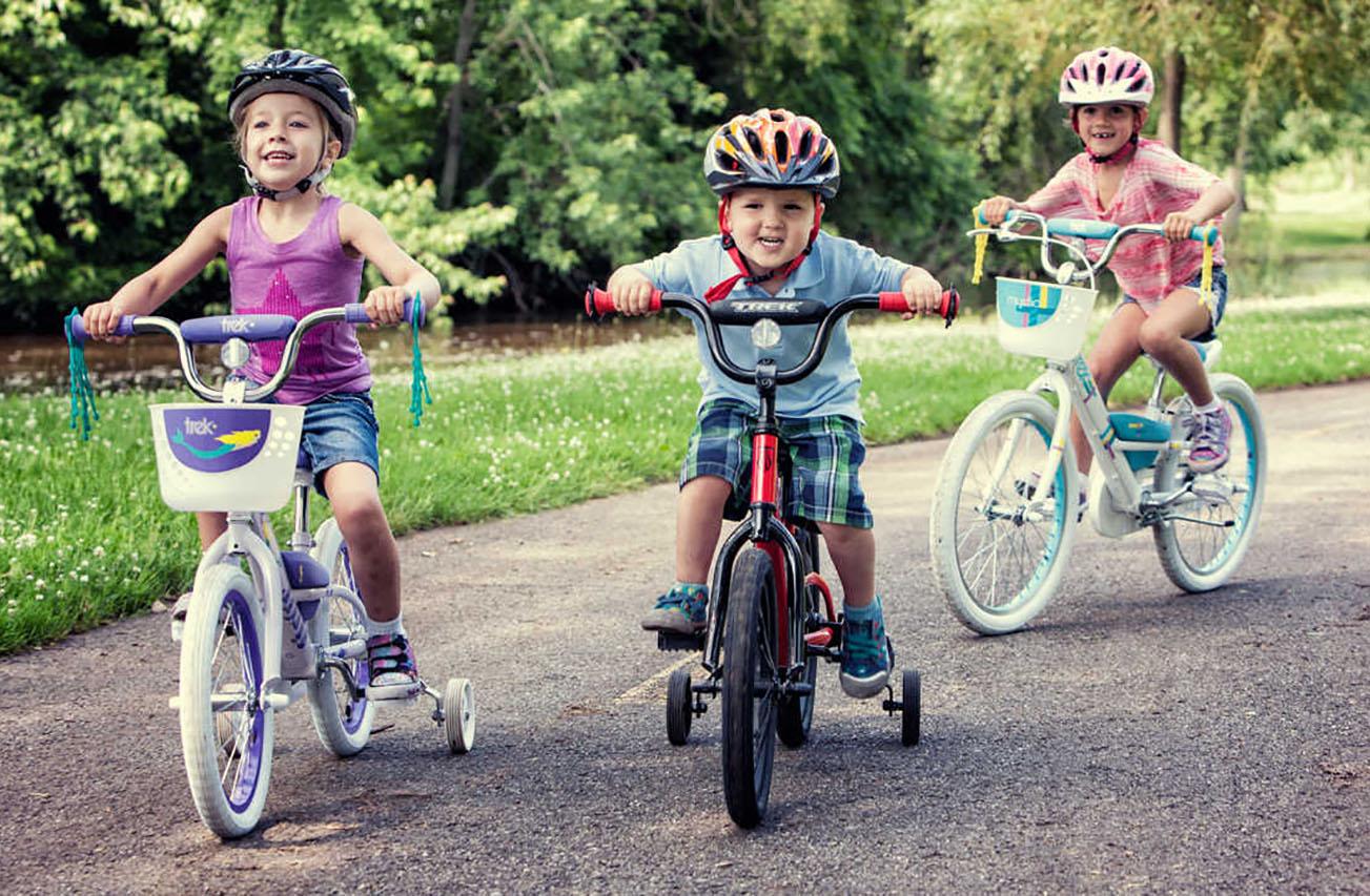 """Для дітей у Вінниці влаштують """"Шалені перегони на велосипедах і самокатах"""""""
