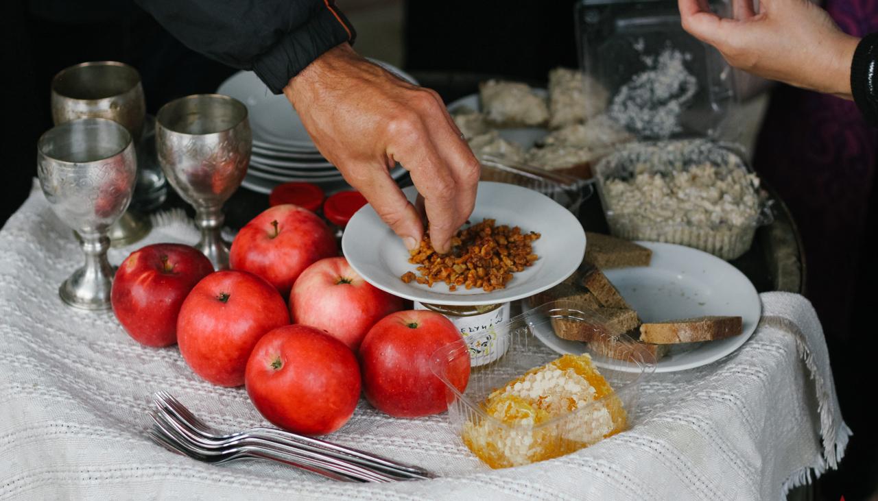 Єврейська притча та секрети приготування кошерних шкварок: у Вінниці влаштували гастро-екскурсію Єрусалимкою. ФОТО