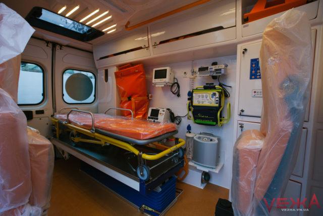 Вінниччина отримала п'ять реанімобілів для надання екстреної медичної допомоги. ФОТО