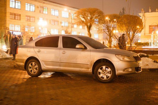 У Вінниці поки не визначилися, хто наведе лад з порушенням правил паркування у місті