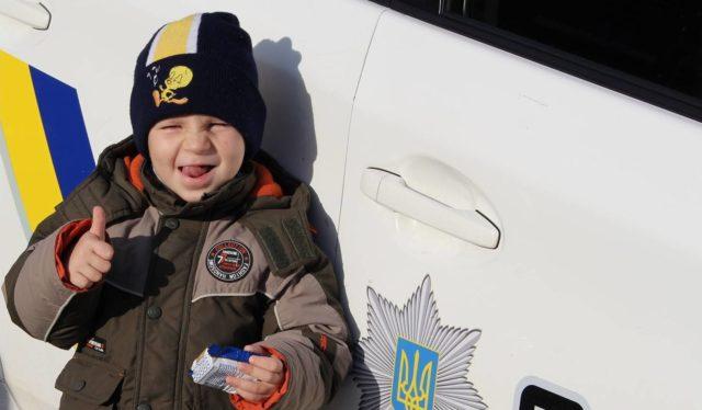 """Різдво з """"копами"""": патрульні влаштують у Вінниці святкову акцію для дітей"""