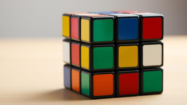 У Вінниці влаштують перші офіційні змагання зі збирання кубика Рубіка