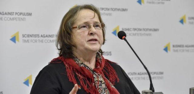 Порошенко нагородив орденом матір вбитого на Майдані Максима Шимка