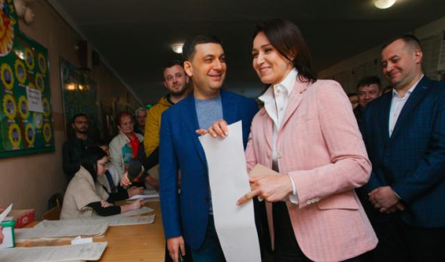 Як Гройсман і Моргунов голосували на виборах Президента у Вінниці. ФОТОРЕПОРТАЖ