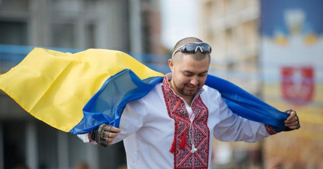 Конкурс на кращу вишиванку, концерт та майстер-класи: як у Вінниці відзначатимуть День вишиванки