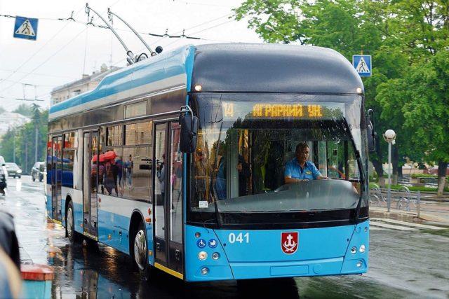 Перший тролейбус, створений у Вінниці, вийшов на маршрут. ФОТО