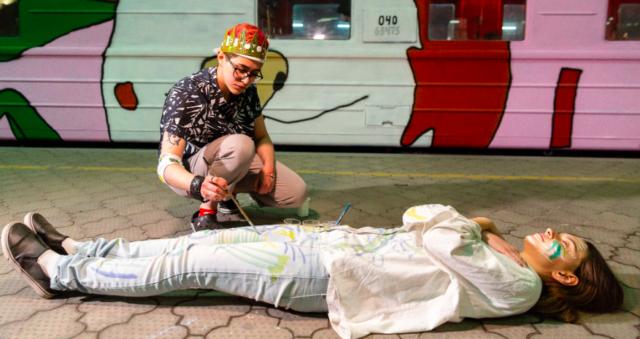 """Рейв у вагонах і тату в купе начальника потяга: що відбувалося в """"мистецькому потязі"""" ГогольTrain. ФОТО"""