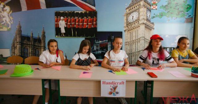 Нові столи, харчоблоки та обладнання: у Вінниці оновлюють школи та влаштовують літні табори. ФОТОРЕПОРТАЖ
