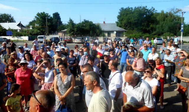 У Тростянці почалася безстрокова акція протесту проти спиртзаводу, голова ОДА говорить про кримінал. ФОТО