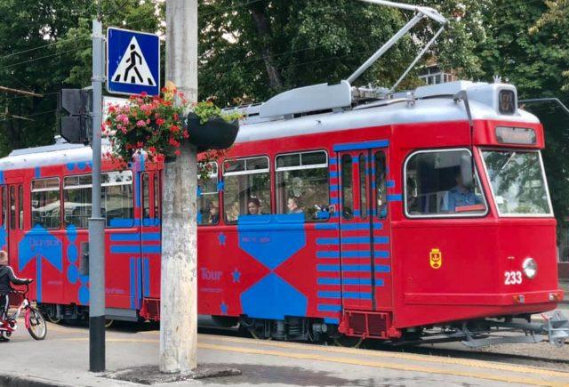 """""""Місто ідей"""": у Вінниці з'явився брендовий """"City Tour"""" трамвай. ФОТО"""