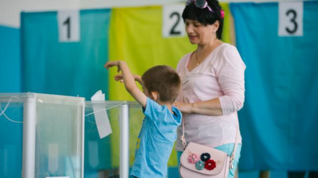 День виборів: як голосували вінничани. ФОТОРЕПОРТАЖ