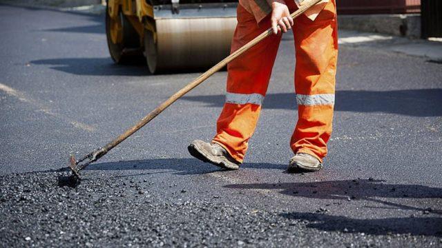 На ремонт дороги у Десні виділяють понад 20 мільйонів