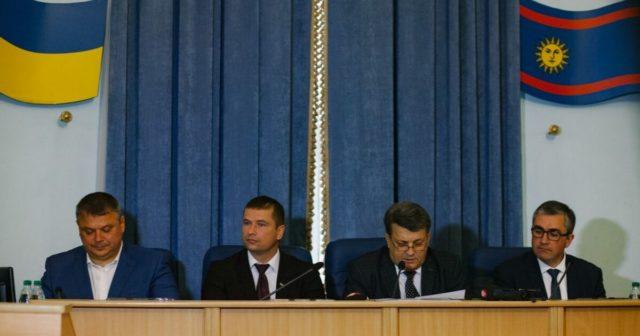 """Вінницька облрада виділила п'ять мільйонів гривень, які мають надійти """"Вінницяоблводоканалу"""""""