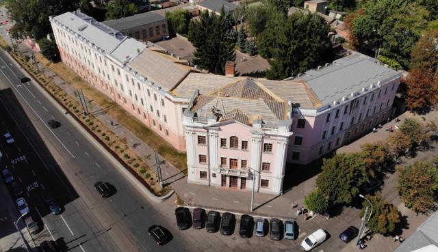 У Вінниці почали реставрувати пам'ятку архітектури на Соборній. ФОТО