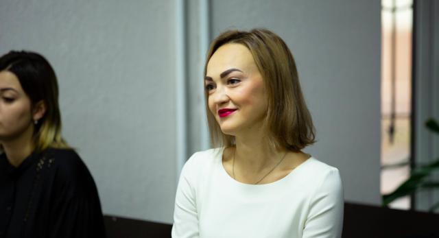 """""""Без ізоляції від суспільства"""": за напад на колегу суд покарав депутатку Давиденко штрафом. ФОТО"""