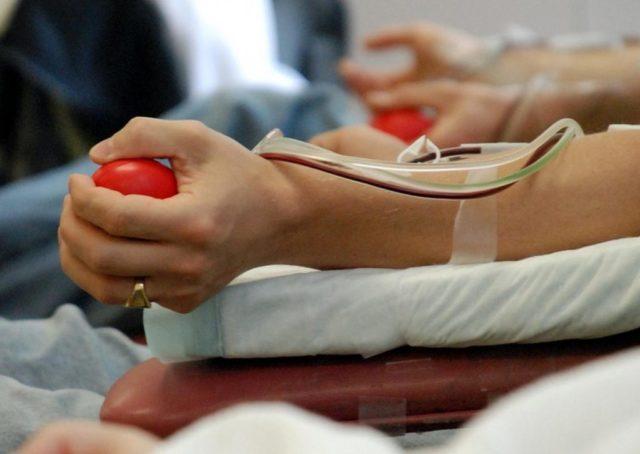 """""""Безпечна кров – для всіх"""": студенти Вінницького медичного коледжу долучились до акції з донорства крові. ВІДЕО"""