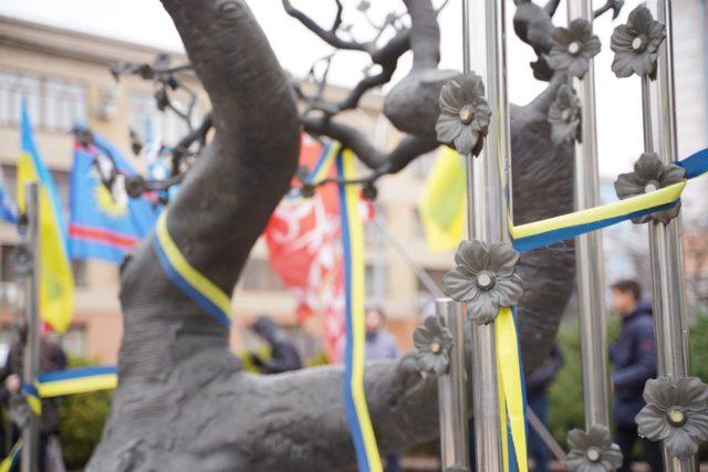 """""""Найдовша зима в нашій історії"""": у Вінниці почали відзначати шосту річницю початку Революції Гідності. ФОТО"""