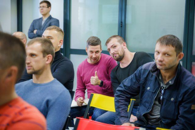 У Вінниці почали вчити веденню бізнесу ветеранів війни з Росією. ФОТО