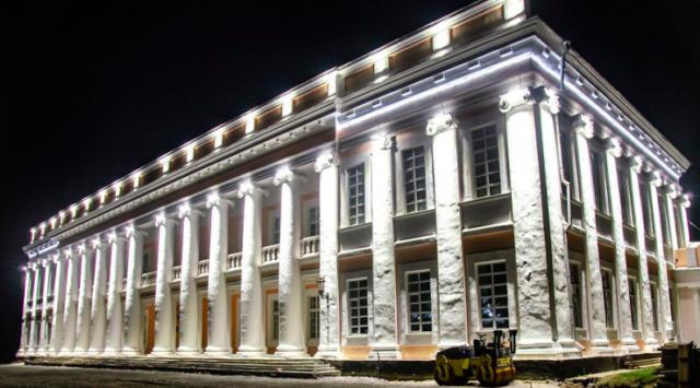 На Вінниччині підсвітили головний корпус палацу Потоцьких. ФОТО
