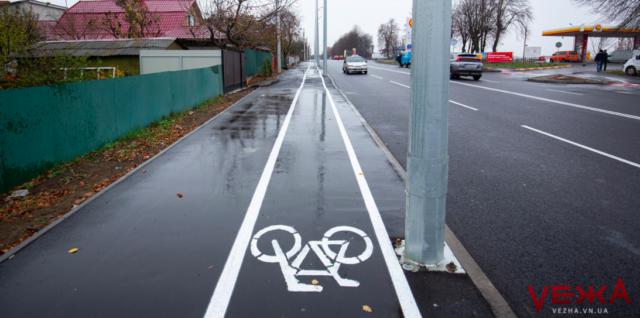 Велодоріжки, нове освітлення та кабелі – в землю: як ремонтують вулицю Данила Нечая у Вінниці. ФОТО