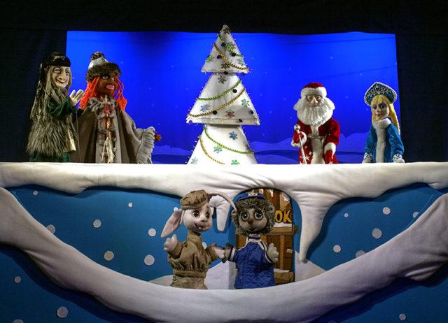 Вінницький театр ляльок та «Родина» підготували новорічну програму для дітей. РОЗКЛАД