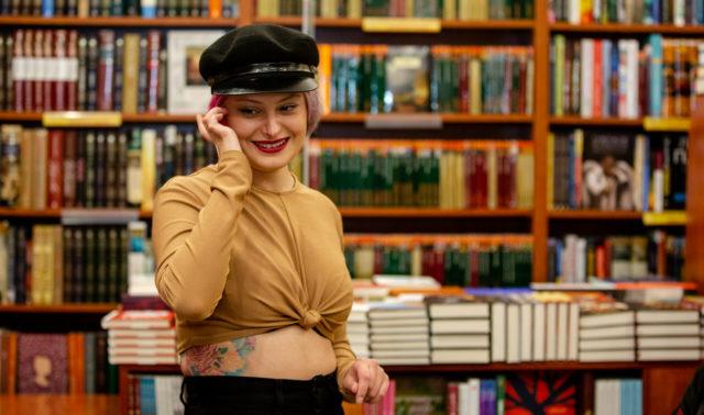 """""""Ти жінка, і це значить закрий рота"""": Олександра Гонтар привезла до Вінниці """"хуліганські"""" вірші. ФОТО"""